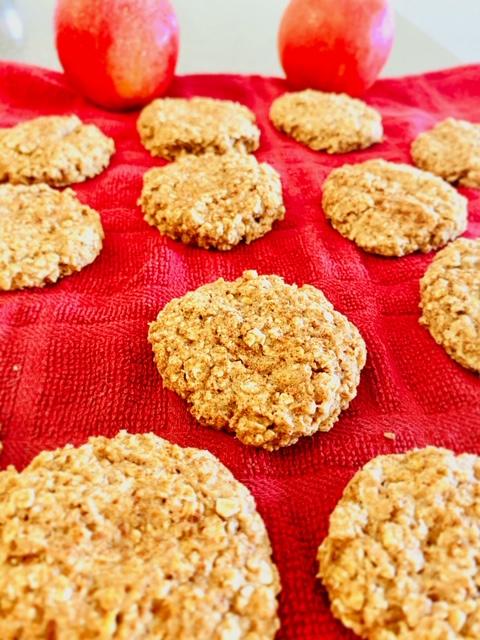 Healthy Apple Oatmeal Cookies